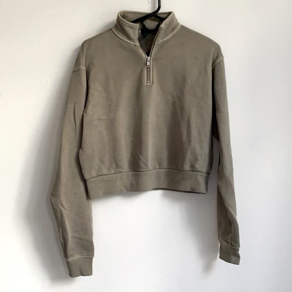 Green half zip sweatshirt